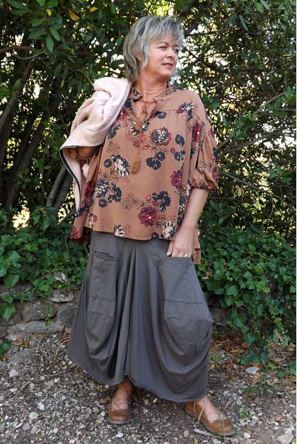 BLOUSE ANNE CUIVRE ET JUPE COCO TAUPE.