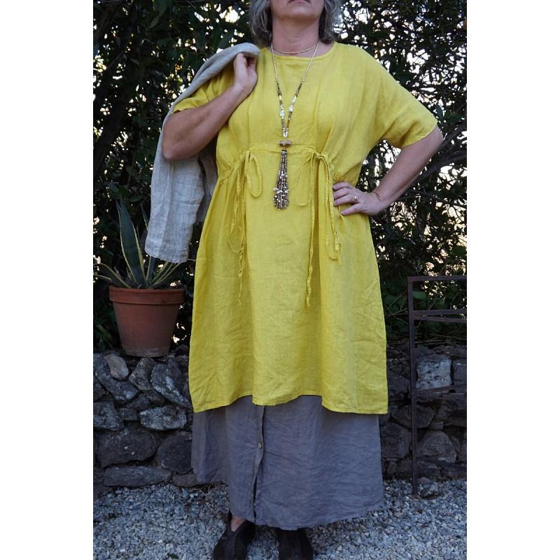Robe en lin grande taille de couleur tournesol - Le dressing de bea ...