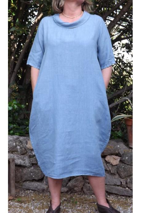 Robe longue en lin de couleur bleuet - Le dressing de bea ...