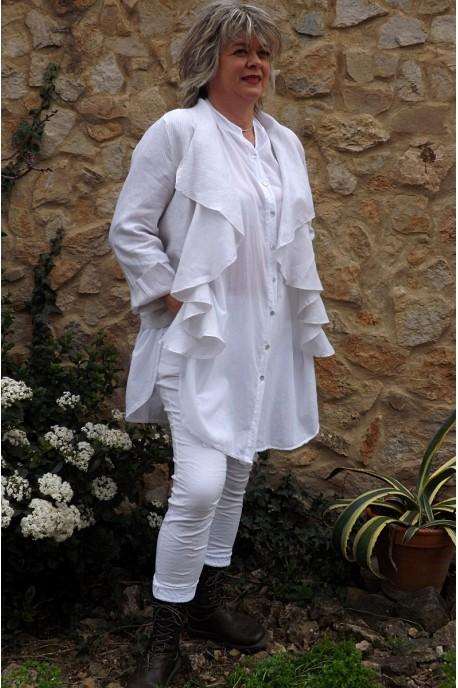 Veste courte lin Anais rayures beiges et blanches, pantalon Lenny et liquette Coco