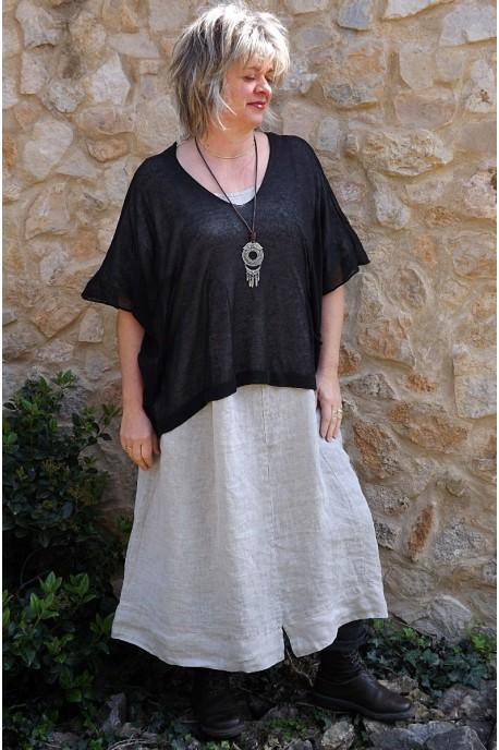 Top maille légère noir Barbara et robe lin Eurydis.