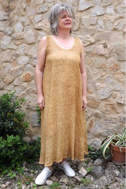Robe lin safran délavé Isis.