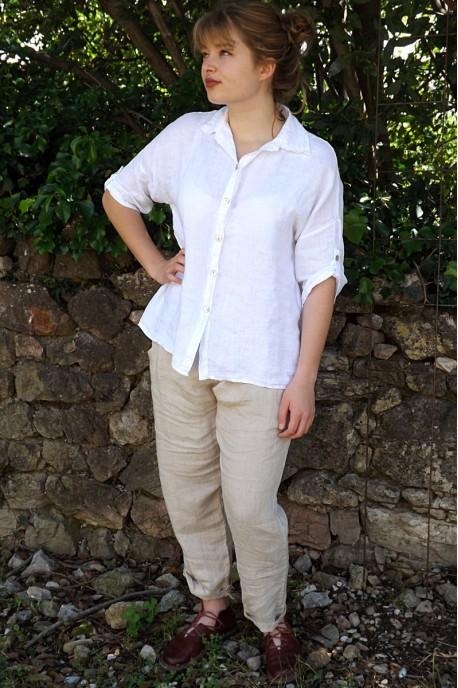 Chemise lin Albane blanche et pantalon lin Gabriel.