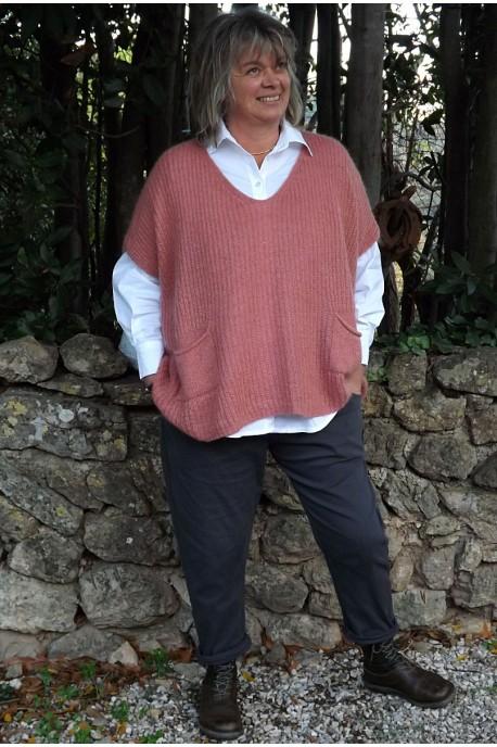 Pull col bateau Enrique goyave, chemise Sabine et pantalon Gaby
