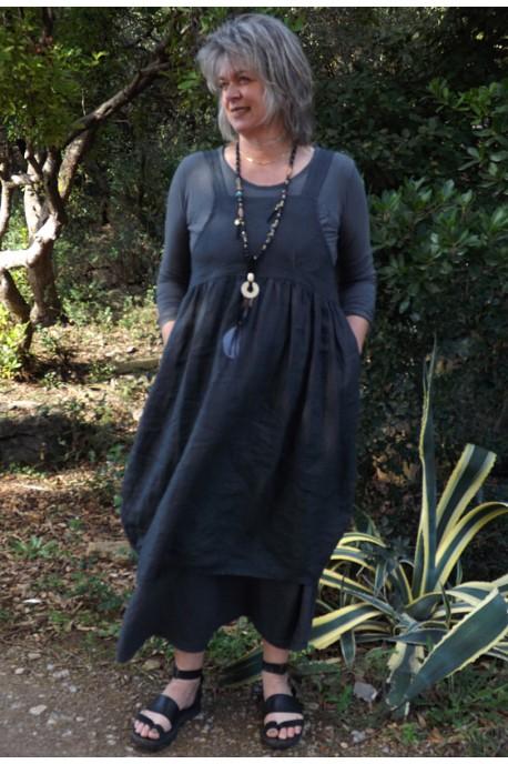Robe chasuble en lin anthracite Giselle sur la jupe lin Amalie