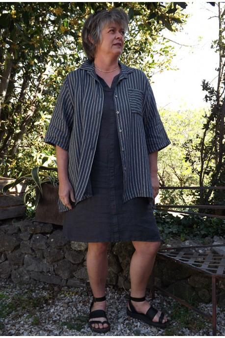 Chemise lin rayée anthracite Bastiane et robe lin Alice