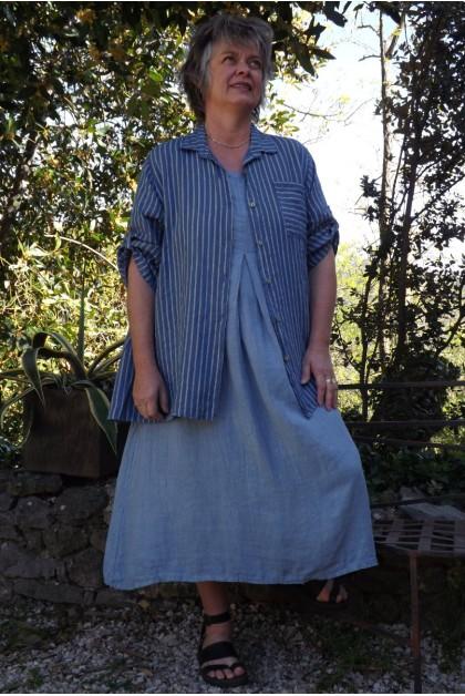 Chemise lin rayée bleue Bastiane et robe lin Philomène