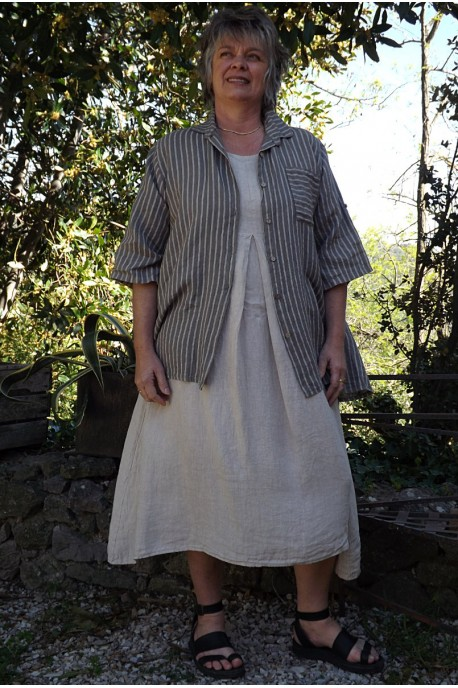 Chemise lin rayée taupe Bastiane et robe lin Philomène.